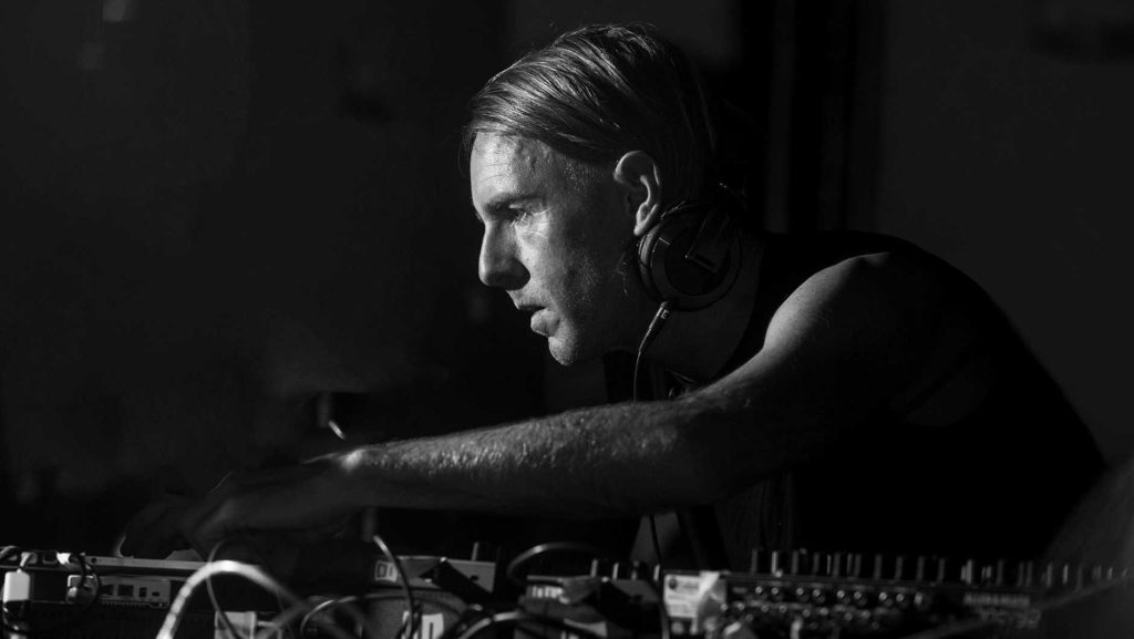 Richie-Hawtin2_1880_1060_50gray