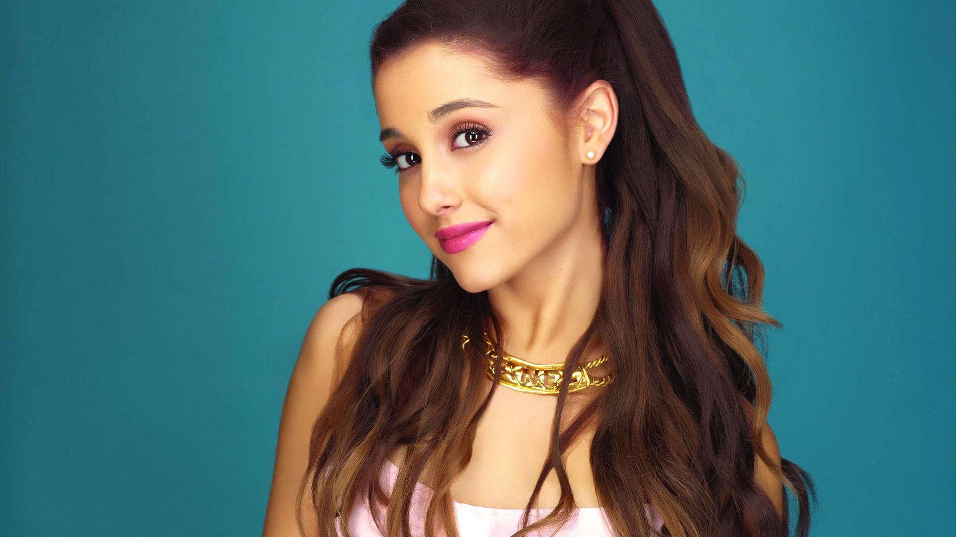 Calendario Ariana Grande 2020.Ariana Grande Tkt Point